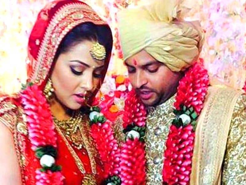 Star cricketer Suresh Raina tied the knot with fiancee Priyanka Chaudhary in a private ceremony at a posh Delhi hotel on Friday night. (Photo: CSK's Facebook page)