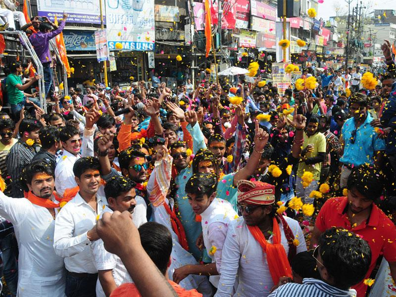 People celebrate Hanuman Jayanti in Bhopal on Saturday. (Mujeeb Faruqui/HT photo)
