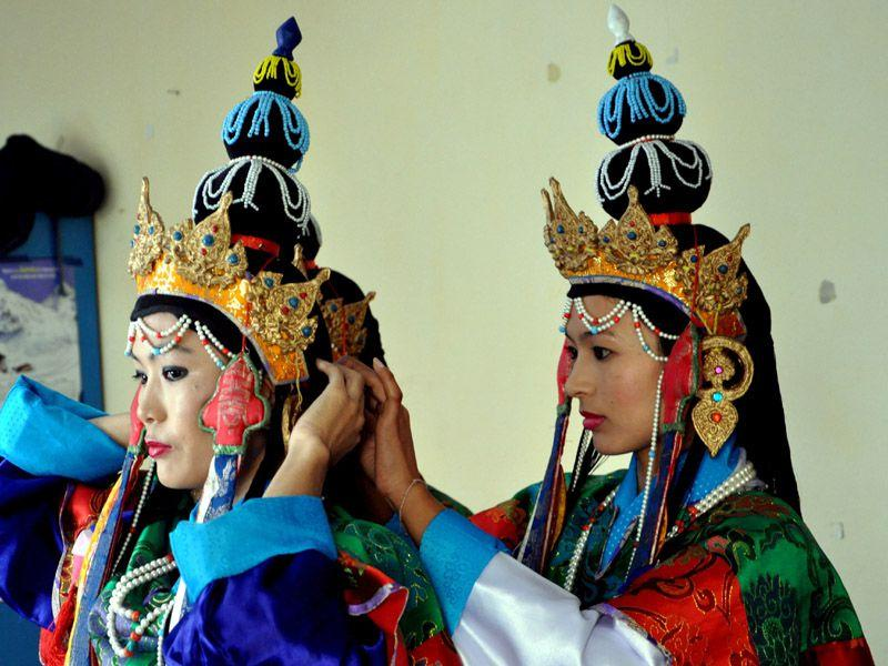 Tibetan artists in traditional costumes perform in an opera at the Tibetan Institute of Performing Arts (TIPA) on the closing ceremony of the 20th Shoton festival at Mcleodganj near Dharamsala. Shyam Sharma/HT