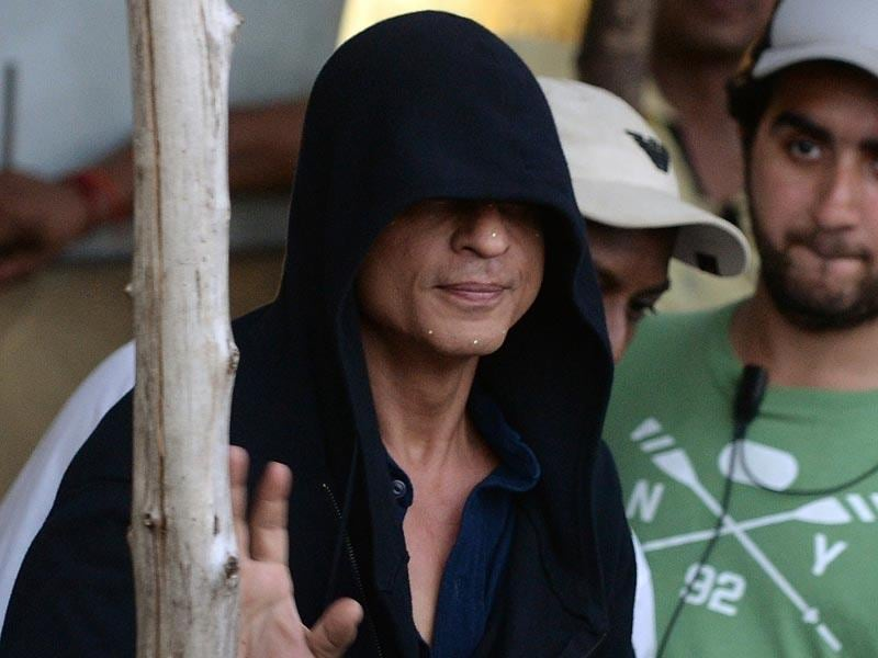 Wearing a hoodie, Shah Rukh Khan on the sets of a film in Mumbai. (AFP Photo)