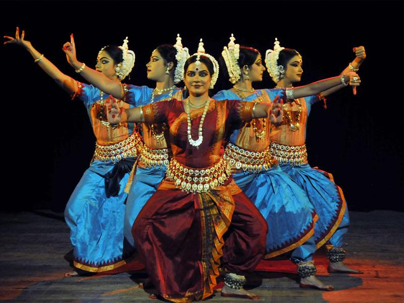 Odissi dancer Meera Das and her troupe's performance was the centre of attraction during Odisha festival at Bharat Bhavan in Bhopal. (Praveen Bajpai/HT photo)
