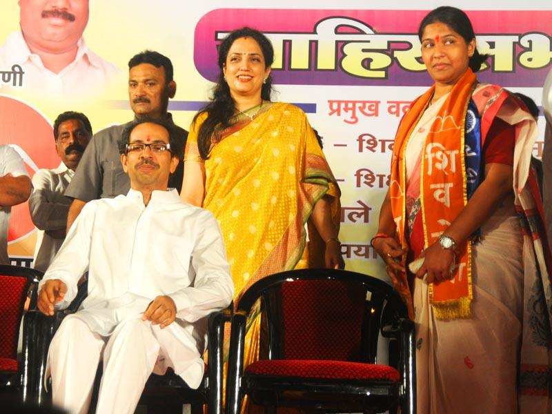 Shiv Sena chief Uddhav Thackeray campaigned for party candidate Trupti Sawant for Bandra by-polls. Trupti Sawant was contesting against Congress heavyweight Narayan Rane. (Photo credit: Sanjay Solanki)