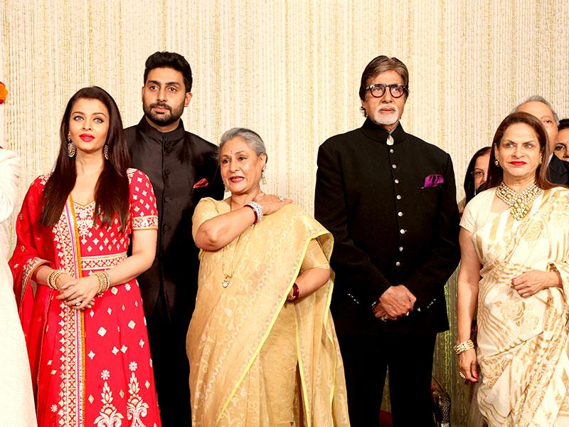 The entire Bachchan clan came together at the reception of Naina Bachchan and Kunal Kapoor. Aishwarya, Abhishek, Jaya and Amitabh Bachchan are seen here with the bride's mother Ramola. (HT photo/Rajesh Kashyap)
