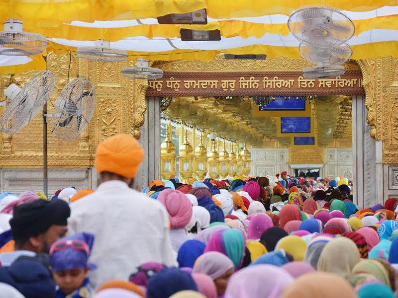 In Amritsar, a large number of devotees including many from abroad, paid obeisance in the holy Sikh shrine of Golden Temple. Sameer Sehgal/HT