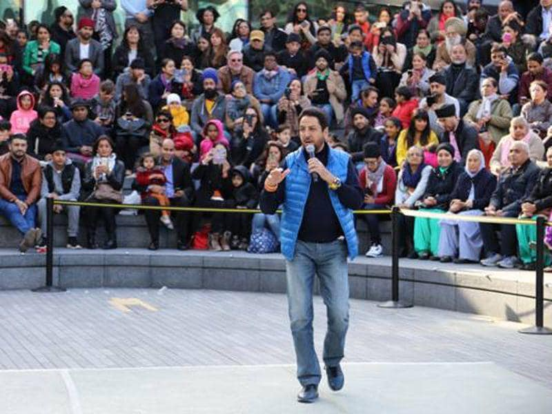 Punjabi singer Gurdas Maan at the Baisakhi fest in London.EY Sikh network