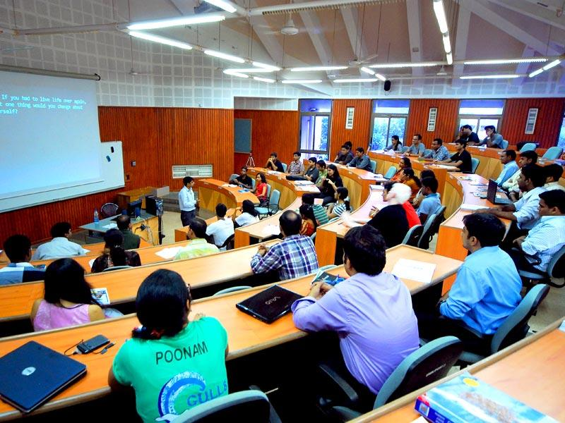 Students attending the class at the Indian Institute of Management, Kolkata in Kolkata, West Bengal. (HT photo)
