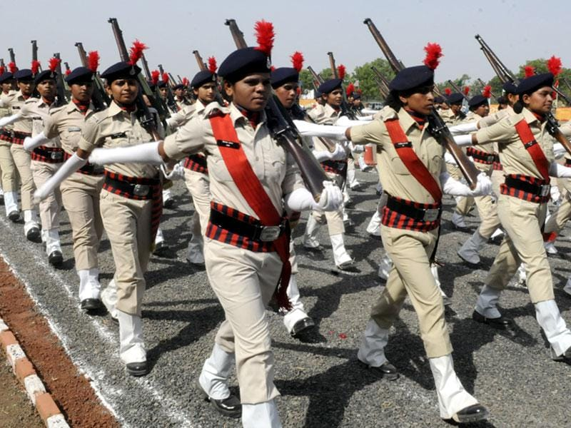 The freshly recruited police constables take part in the passing out parade at Police Training Centre in Indore on Saturday. (Shankar Mourya/HT photo)