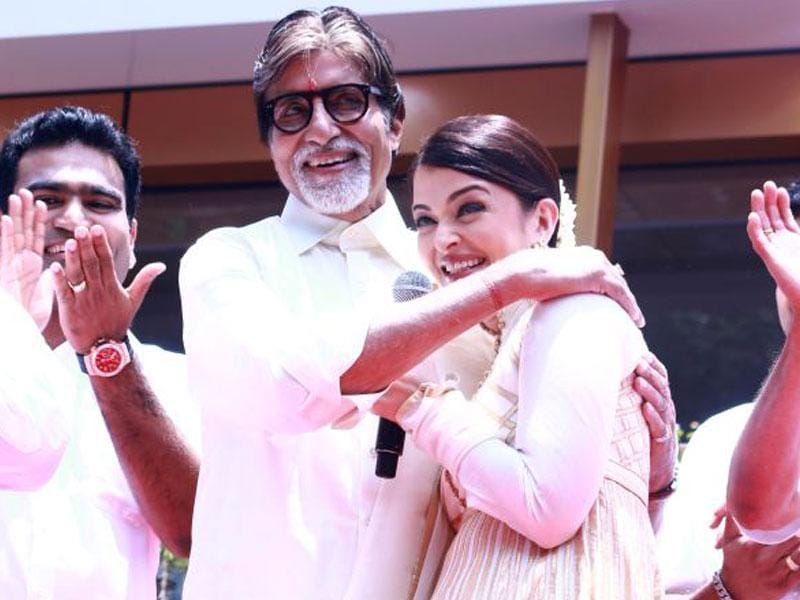 Amitabh Bachchan and Aishwarya Rai Bachchan seen at the launch of a jewellery store in Chennai. (Courtesy: Twitter)