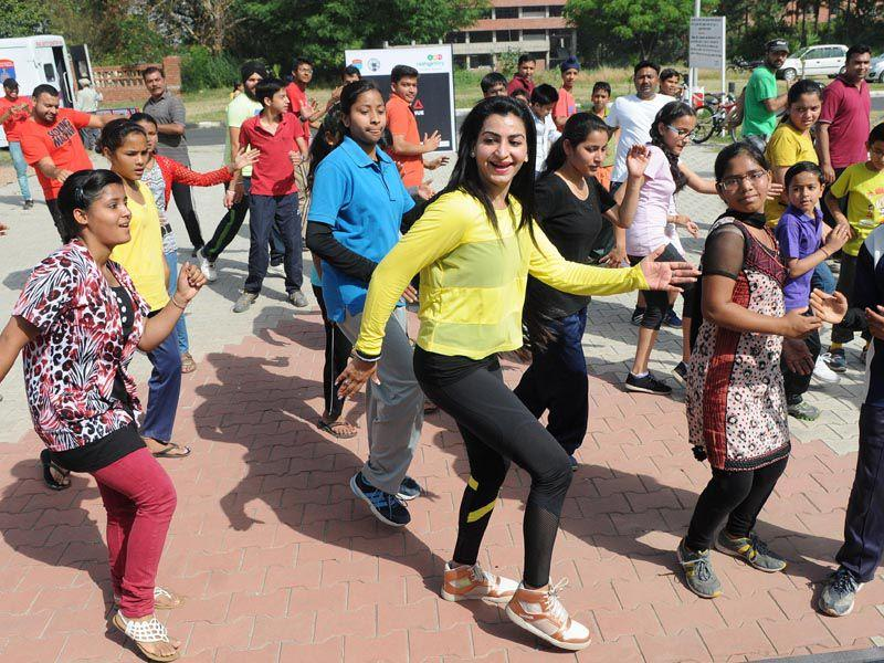 """Raahgiri"" is organised by the Chandigarh administration and traffic police in collaboration with EMBARQ India.HT"