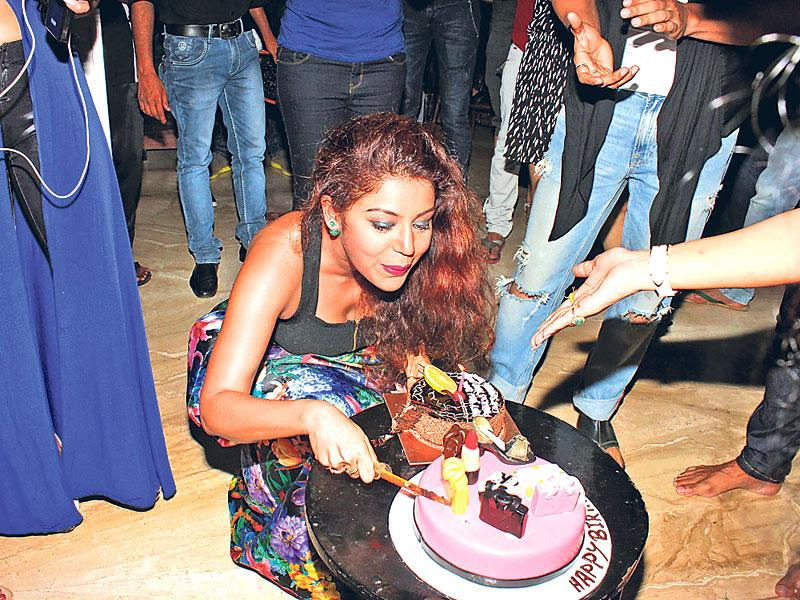 TV actor Debina Bonnerjee brought in her birthday, on April 18, with her close friends from the industry at her residence.