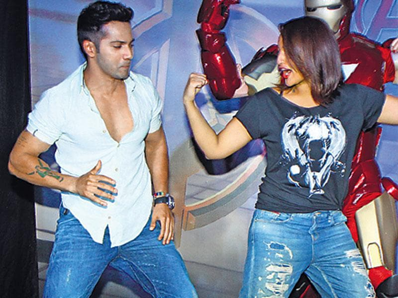 It's superhero time for Varun Dhawan and Sonakshi Sinha at the Avengers screening. (HT photo/Pradip Guha)