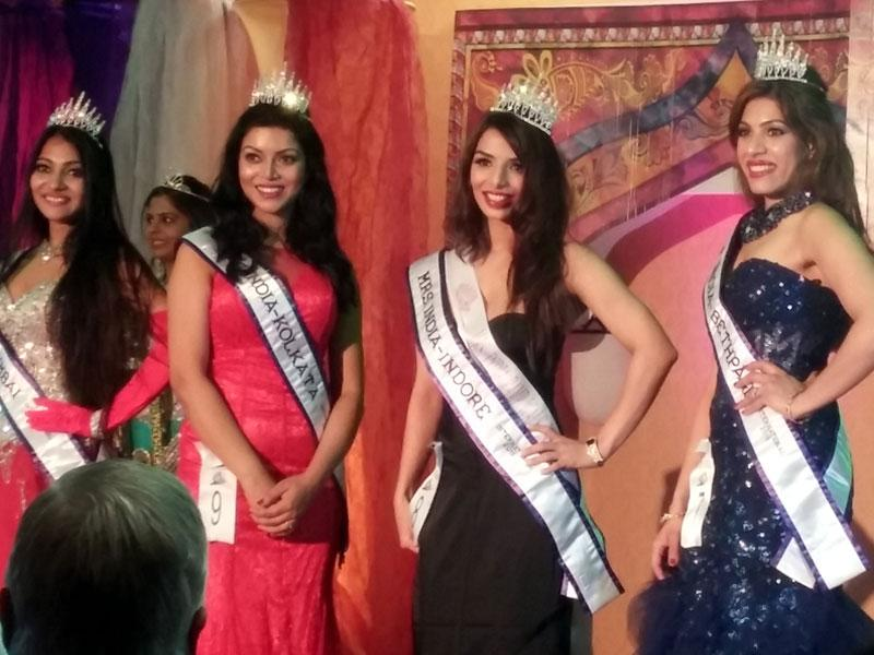 Indore's Shruti Oza Khemlani (middle) was crowned with the Mrs India International-2015 runners-up title on Saturday in Atlanta, USA.