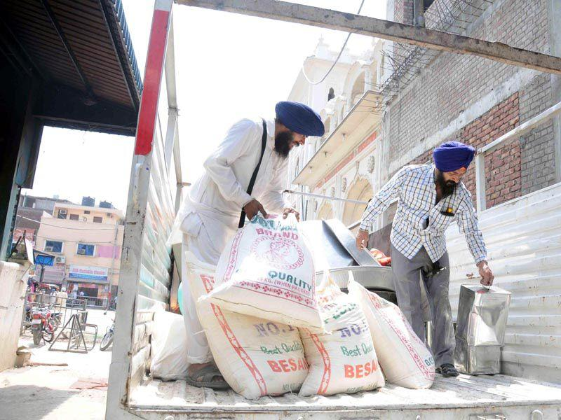 SGPC is ready to supply ration to Nepal where hundreds of people lost their lives following a high-intensity earthquake. Sameer Sehgal/HT