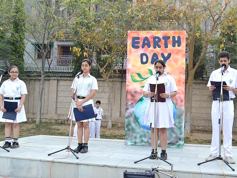 Delhi Public School, Dwarka celebrated Earth Day with great reverence and fervour. Sunita Tanwar, principal, DPS Dwarka emphasised that the purpose of celebrating Earth Day is to keep our grass green and our skies blue, and to spread awareness about protecting our Mother Earth. (Photo/HT PACE)