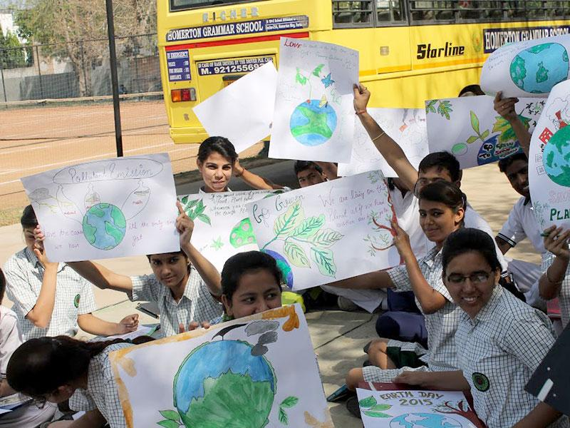 The Homertonians celebrated The World Earth Day with a difference and rose to the occasion. The school wore a festive look as all the students participated in a rally holding colourful banner, poster and festoons carrying meaningful messages and citing encouraging slogans. (Photo/HT PACE)