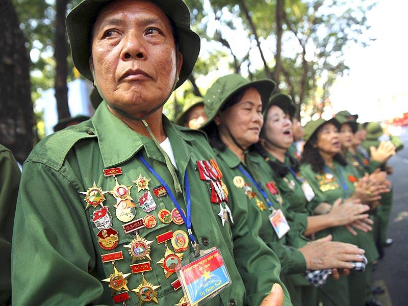 Vietnamese war veterans at the parade. (AP Photo)