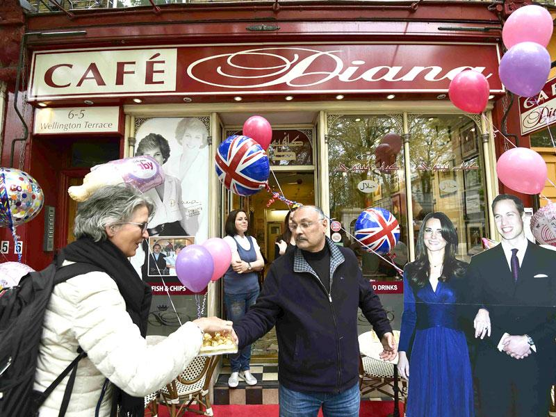 Cafe Diana near Kensington Palace is decorated with balloons in celebration of the birth of a baby daughter to Prince William and Catherine. (Reuters)