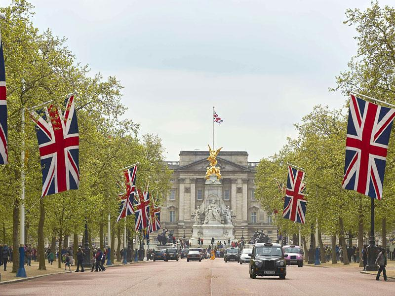 Britain's Union flags line the Mall leading to Buckingham Palace (background) in central London. (AFP Photo)