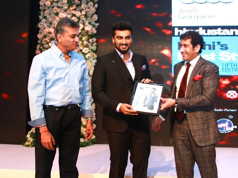 For acing a super casual style that consists of tees and ripped denims to looking dapper in designer suits, Arjun Kapoor got Fever's Listener's Choice Award. (Waseem Gashroo/HT)