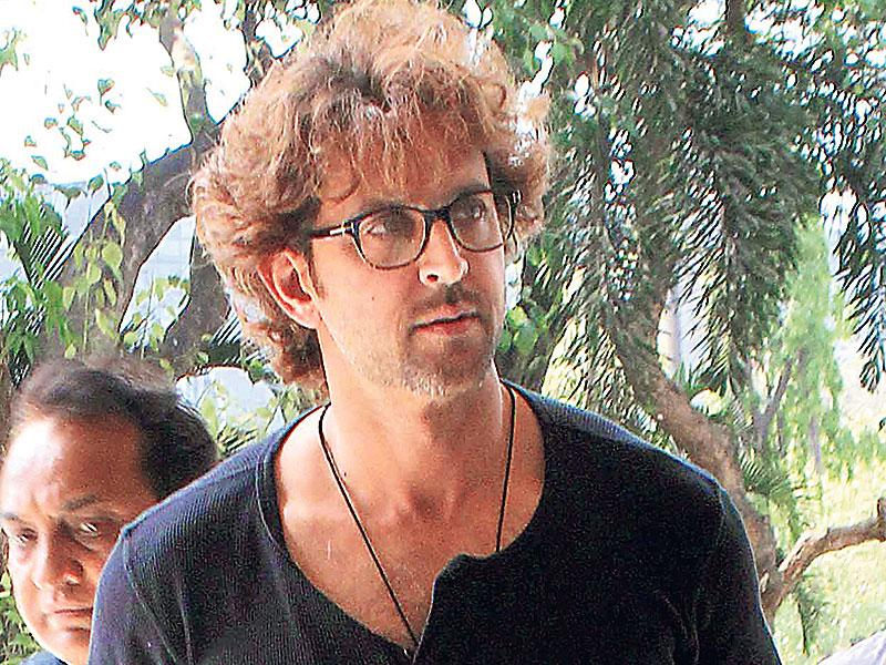 Hrithik Roshan spotted outside the Mumbai airport. (Photos:Yogen Shah)