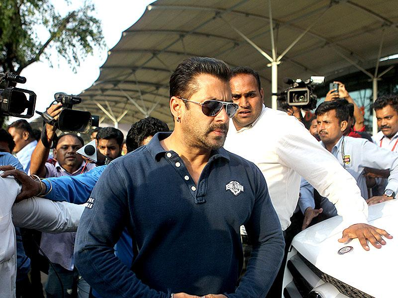 Bollywood actor Salman Khan arrives at the Mumbai Airport for before his verdict on Wednesday for the hit-and-run case in Mumbai. (Satish Bate/HT Photo)