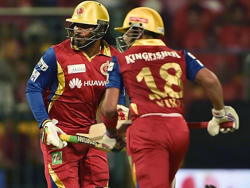RCB skipper Virat Kohli and Gayle stitched a 119-run opening stand in just 11.2 overs. (Virendra Singh Gosain/HT Photo)