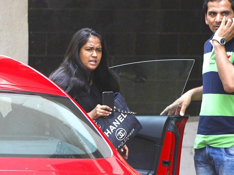 Salman Khan's younger sister Arpita also came to visit the actor at his Bandra residence a day after he was pronounced guilty in the 2002 hit-and-run case. (Satish Bate/ HT photo)