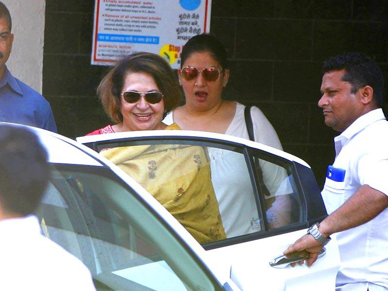 Actress and Salman Khan's stepmother Helen too visited the actor. The 49-year-old Dabangg star was sentenced to five years in the 2002 hit-and-run case. (Satish Bate/HT photo)