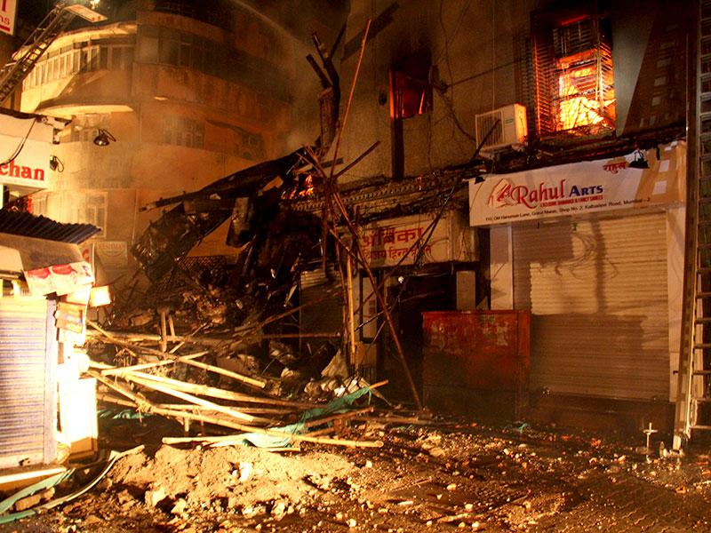 A major fire broke out in Gokul Niwas, an over-century old building in south Mumbai's Kalbadevi. (Pramod Thakur/HT photo)