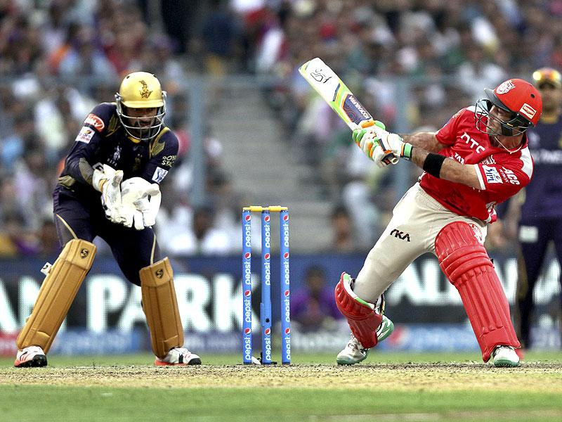 KXIP's Glenn Maxwell finally found form and played some audacious shots in his 22-ball 43. (Prateek Choudhury/HT Photo)
