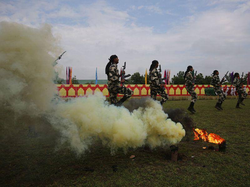 New recruits of the Indian Central Reserve Police Force (CRPF) performing drills during the passing out parade in Humhama on the outskirts of Srinagar. Waseem Andrabi/HT