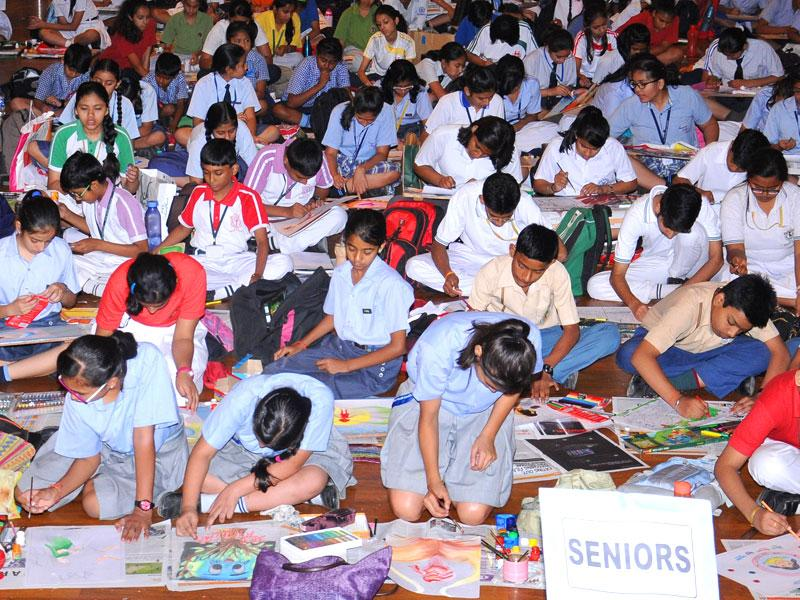 The 90-minute on-the spot painting competition resembled a mini carnival where over 400 students from Gurgaon Schools got together to paint their creativity. (HT PACE/S Burmaula)