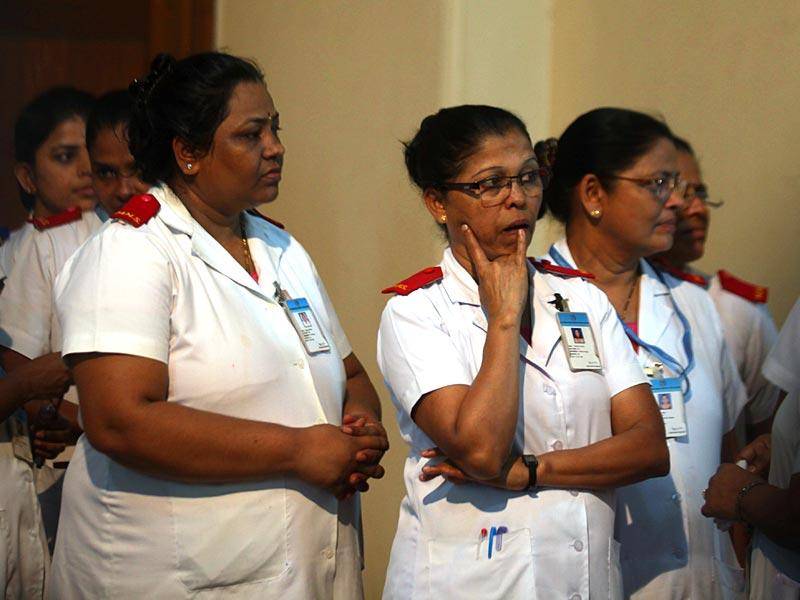 Nurses and the staff of KEM hospital in Mumbai bid adieu to Aruna Shanbaug. Shanbaug, after being in a vegetative state for more than four decades following her brutal rape in 1973, died in Mumbai. (Kunal Patil/HT photo)