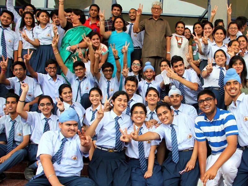 The Council for the Indian School Certificate Examinations (CISCE) declared the Class 10 (ICSE) and Class 12 (ISC) 2015 results on Monday with girls outperforming boys across India.