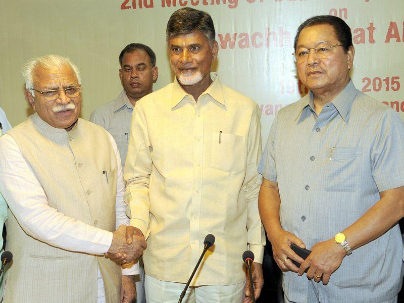 Haryana CM Mahnor Lal Khattar,CM Andhra Pradesh Chandrababu Naidu along with Mizoram CM Lal Thanhawal addressing the media persons at Haryana Niwas, Chandigarh. Gurpreet Singh/HT