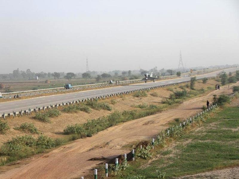 IAF Mirage-2000 lands on Yamuna Expressway in a one of its kind experiment. (IAF Photo)