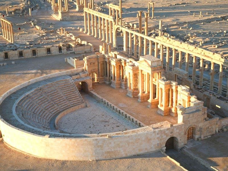 Palmyra, the ancient Syrian city that has fallen to the IS, has withstood the last 2,000 years with its immaculate temples and colonnaded streets. (AFP Photo)