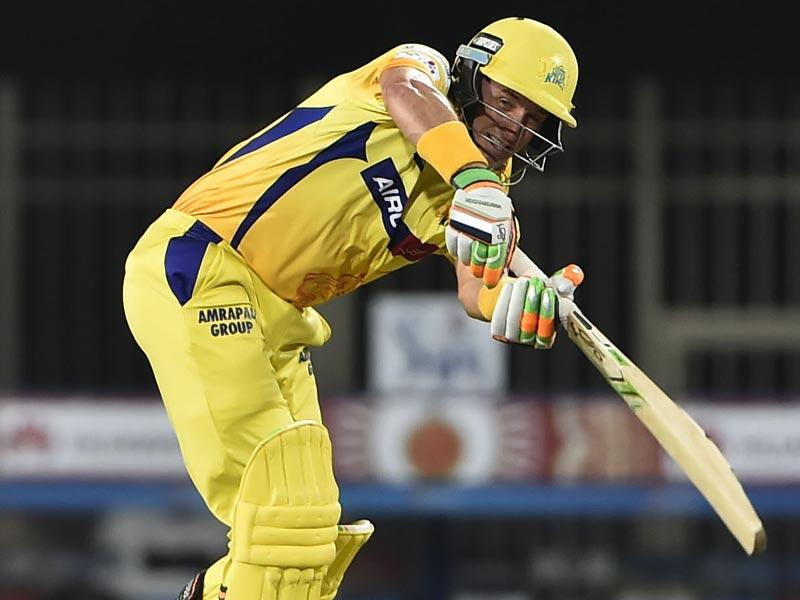 Chennai Super Kings' (CSK's) Michael Hussey in action against Royal Challengers Bangalore (RCB) during the Indian Premier League (IPL) 2015 Qualifier 2 match between the two sides in Ranchi on May 22. (Parwaz Khan/HT Photo)