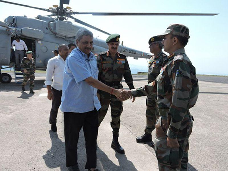 Parrikar accompanied by Army chief general Dalbir Singh Suhag, Northern Command chief lieutenant general DS Hooda,
