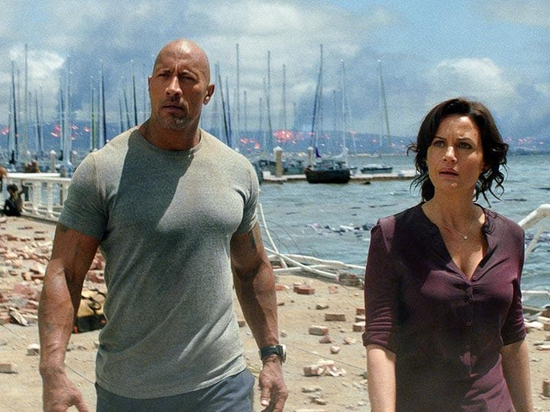 Dwayne Johnson and Carla Gugino play an estranged couple in San Andreas.