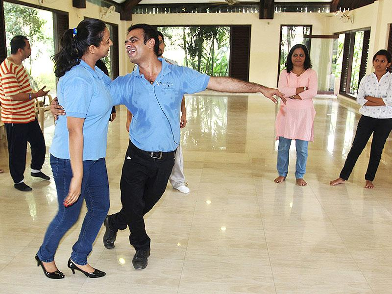 From stepping on each other's toes to tuning into the other's rhythm, couples in Thane had a morning full of foot-tapping and Latin music, bringing in the HT No TV weekend in style. (Photo: Praful Gangurde)