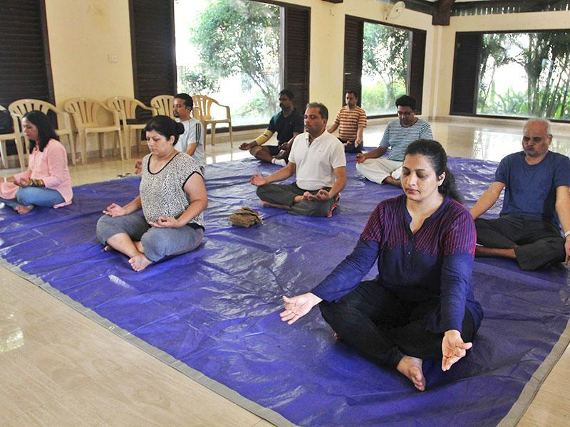 A free Patanjali yoga session organised by HT, as part of this year's No TV Weekend Festival. (Photo: Praful Gangurde)