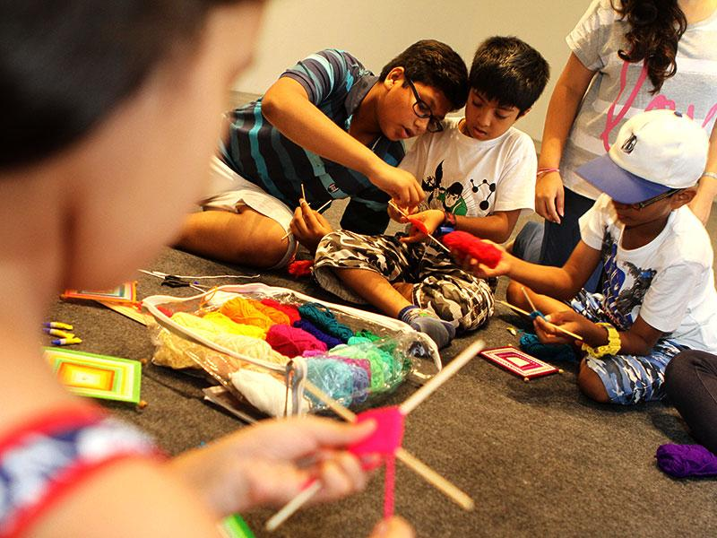 Children participated in a 'learning to weave program' as part of HT's No TV Weekend Festival in Mumbai. (Arijit Sen/HT photo)