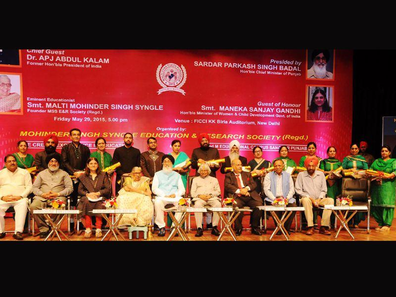 Punjab chief minister Parkash Singh Badal along with former President of India Dr. APJ Abdul Kalam, Union Minister Maneka Gandhi, Punjab education minister Dr. DS Cheema, former MP Tarlochan Singh and INLD leader Abhay Chautala during the 'Malti Gyan Peeth Puraskar 2015' at FICCI Auditorium in New Delhi.