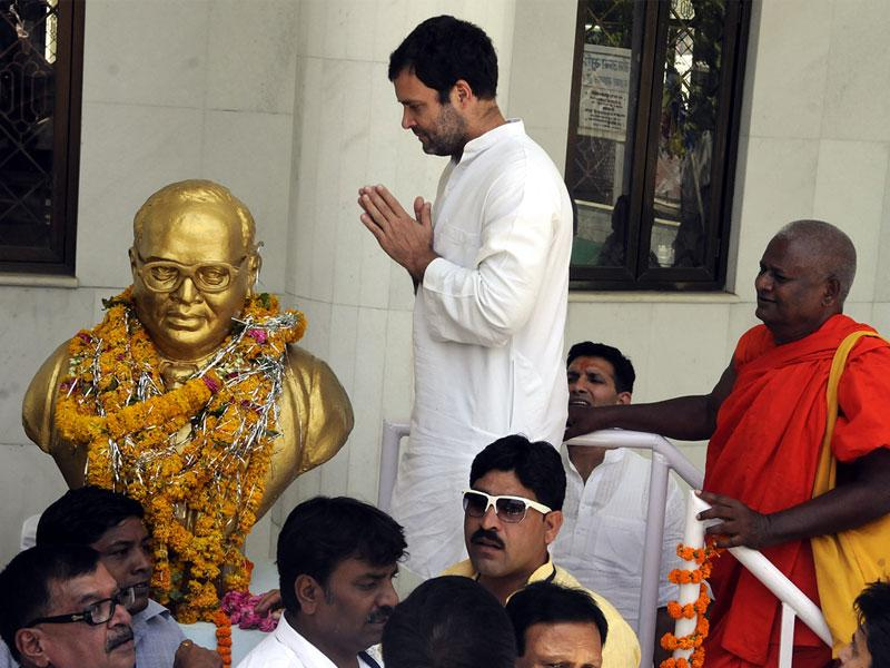 Congress vice president Rahul Gandhi paid his tribute to Dr BR Ambedkar at his birthplace in Mhow on Tuesday.(Shankar Mourya/HT photo)