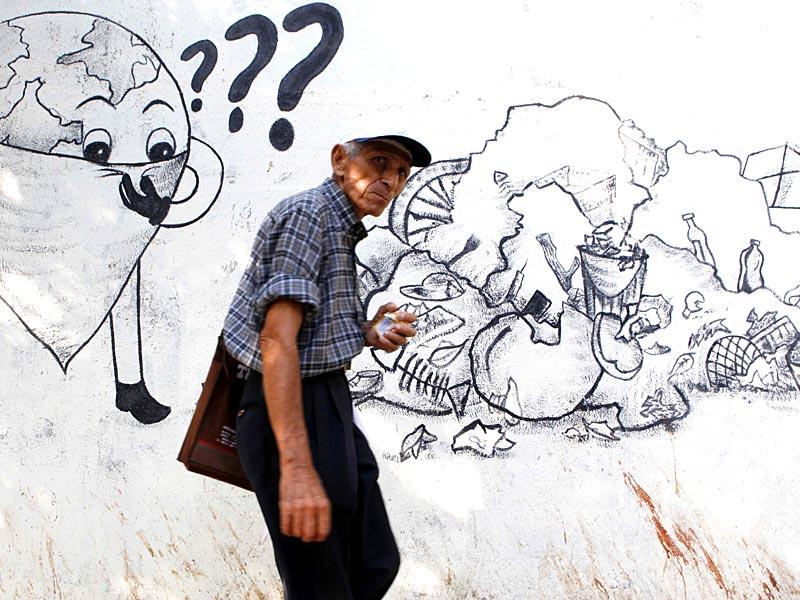 Murals on the walls of Mumbai describes the importance of keeping the environment clean. June 5 is observed as World Environment Day. (Vidya Subramanian/HT photo)
