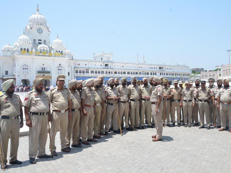 Heavy deployment of police outside the Golden Temple on the eve of Operation Bluestar anniversary in Amritsar. Sameer Sehgal/HT