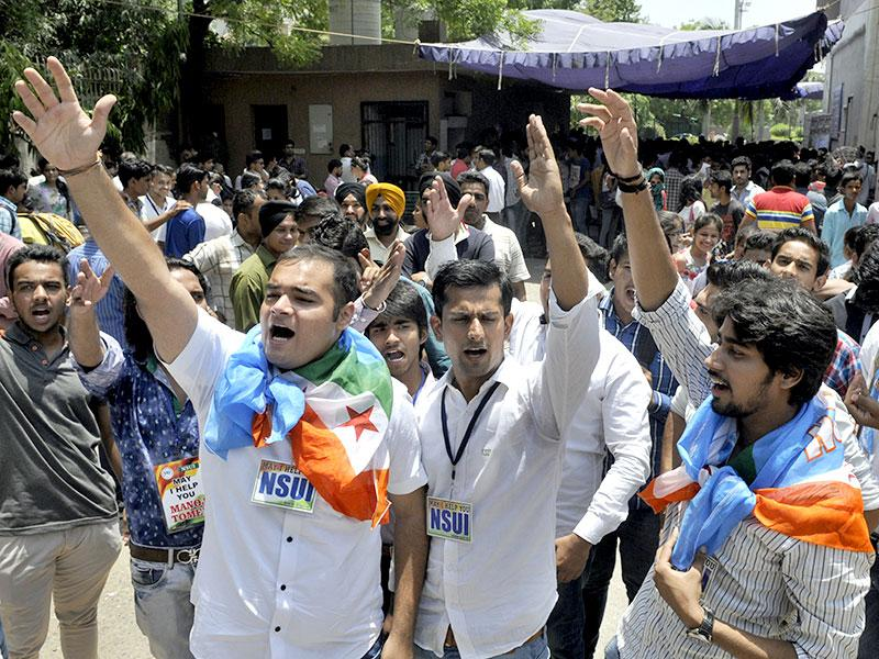 NSUI students protesting for better facilities during the offline admission process at the Delhi University North Campus in New Delhi on Friday. (Photo by Sushil Kumar/ Hindustan Times)