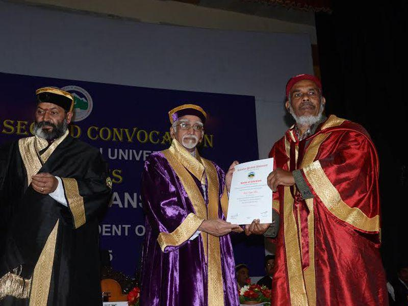 Honorary doctorate degrees were also conferred to renowned journalist Vepa Rao. HT Photo