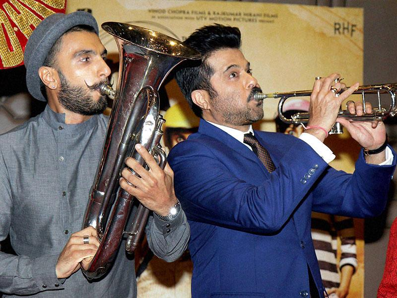 It's a band party! Ranveer Singh and Anil Kapoor at PK success bash.(Photo: PTI)